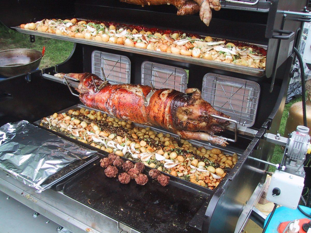 Tournebroche prestige combin barbecue et plancha - Tourne broche barbecue ...