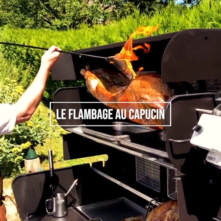 capucin, flambadou, flambage, flamboir à lard, coqueron, cocuron, tourne broche mobigrill